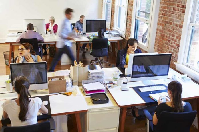 Lima Keuntungan Menyewa Kantor dan Peralatan Teknis